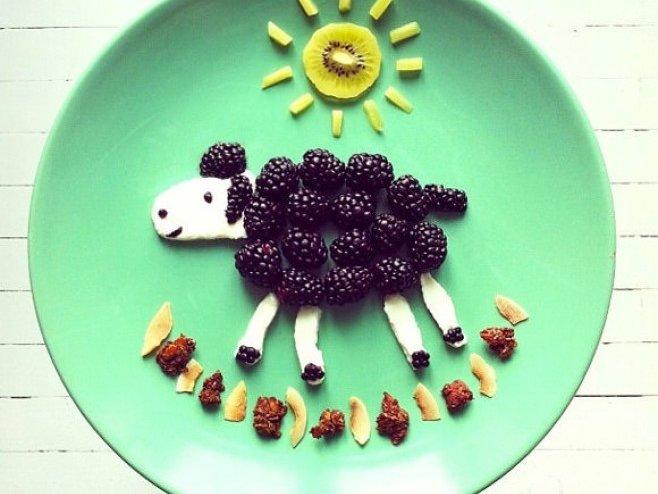 Çocuklarınıza yemek yedirmeyi bir de böyle deneyin
