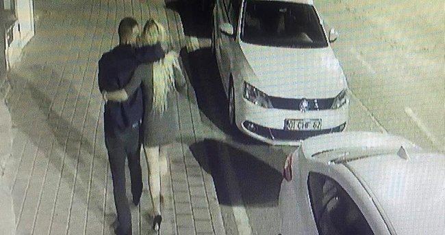 Genç kadın sevgilisine siper oldu