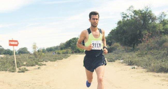 15 Temmuz şehitleri için yarı maraton koştular