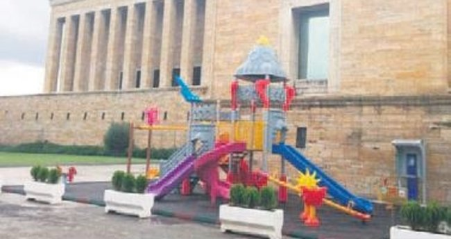 Anıtkabir'deki 'oyun alanı' kaldırılıyor