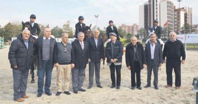 Konkurhipik Ödülü Süleyman Ergün'ün