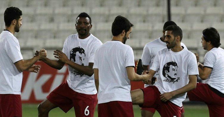 Futbolculardan Katar Emiri'ne destek!