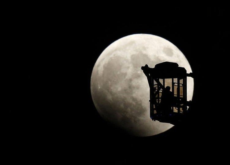 Kanlı Ay tutulması büyüledi