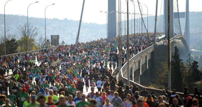 """KADEM, Vodafone 38. İstanbul Maratonu'nda """"kadın kahramanlar"""" için koşacak"""