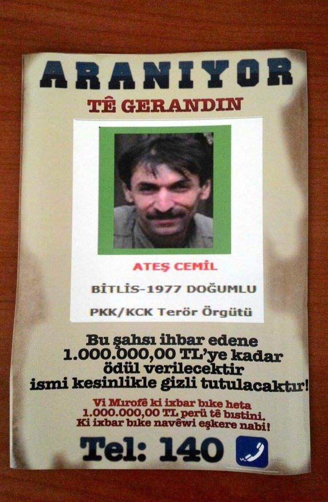 Bitlis'te aranan PKK'lıların afişleri asıldı!