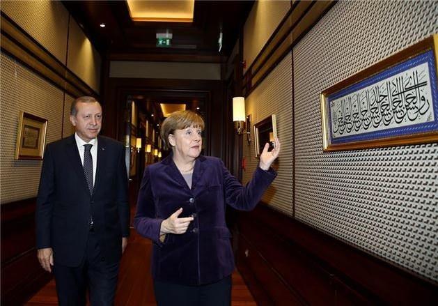 Erdoğan Merkel'i kabul etti