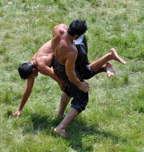 Kırkpınar Yağlı Güreşleri başladı