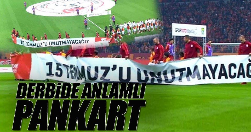 Galatasaray-Beşiktaş derbisinde anlamlı pankart