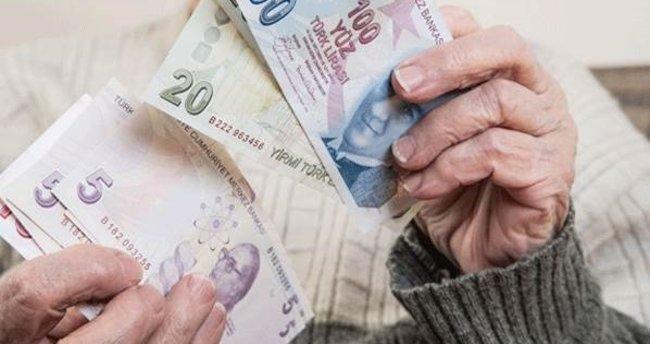 Büyükanne maaşlarının başvuru süresi uzatıldı!