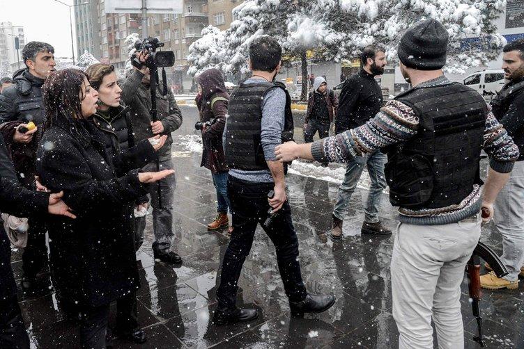 Diyarbakır'da polise bombalı saldırı!