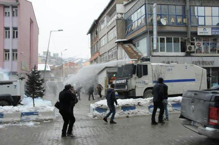 Hakkari'de izinsiz gösteriye müdahale edildi!