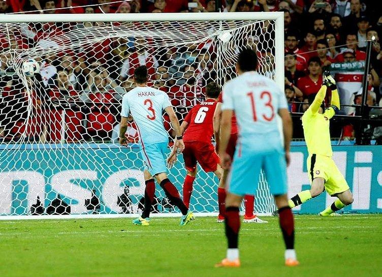 Çek Cumhuriyeti - Türkiye maçı sosyal medyayı salladı