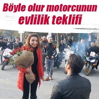 Böyle olur motorcunun evlilik teklifi