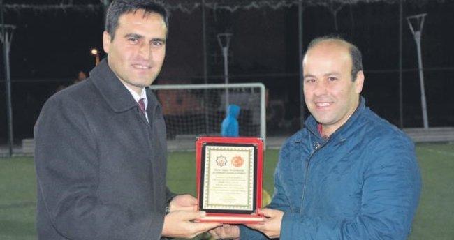 Milli İrade Futbol Turnuvası'nın şampiyonu Anadolu Lisesi oldu