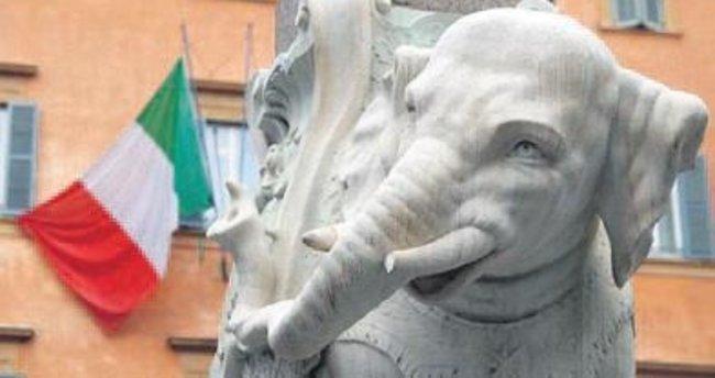 Bernini'nin filinin dişi kırıldı