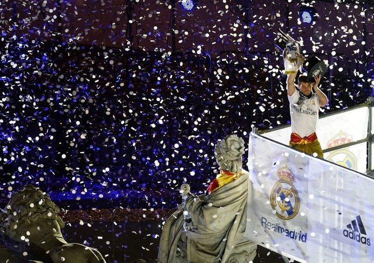 Madrid'de sabaha karşı kupa kutlaması