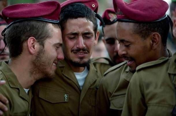 İsrail ordusu ağlarken böyle görüntülendi