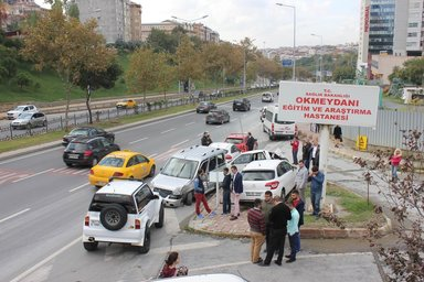 Beyoğlu'nda hastane önünde bir garip kaza