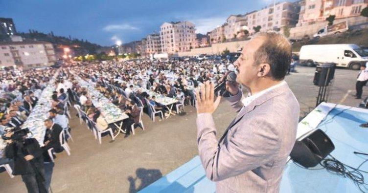 5 bin kişilik dev iftar sofrası