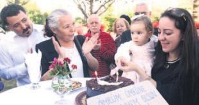 İlk yaş günü pastası şehit babanın parkında