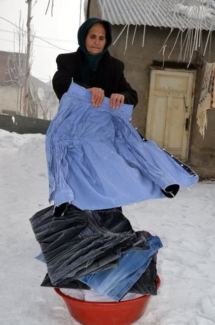 Doğu'da soğuk hava çamaşırları dondurdu