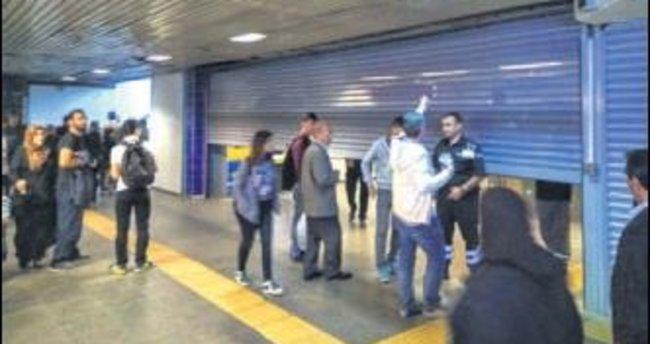 Şüpheli çanta metro seferlerini durdurdu