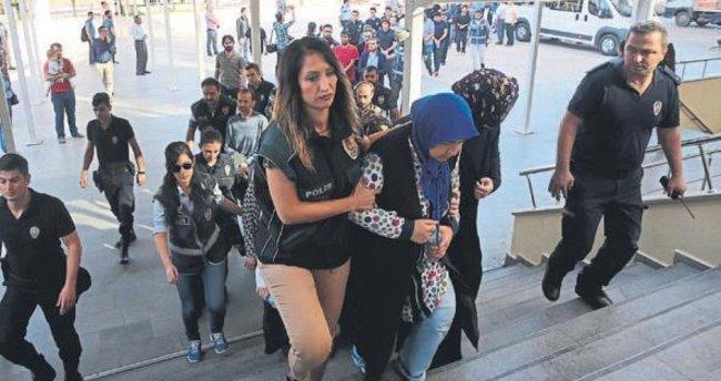39 öğretmenden 30'u tutuklandı