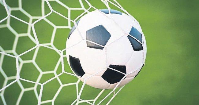 Futbola turizm ayarı