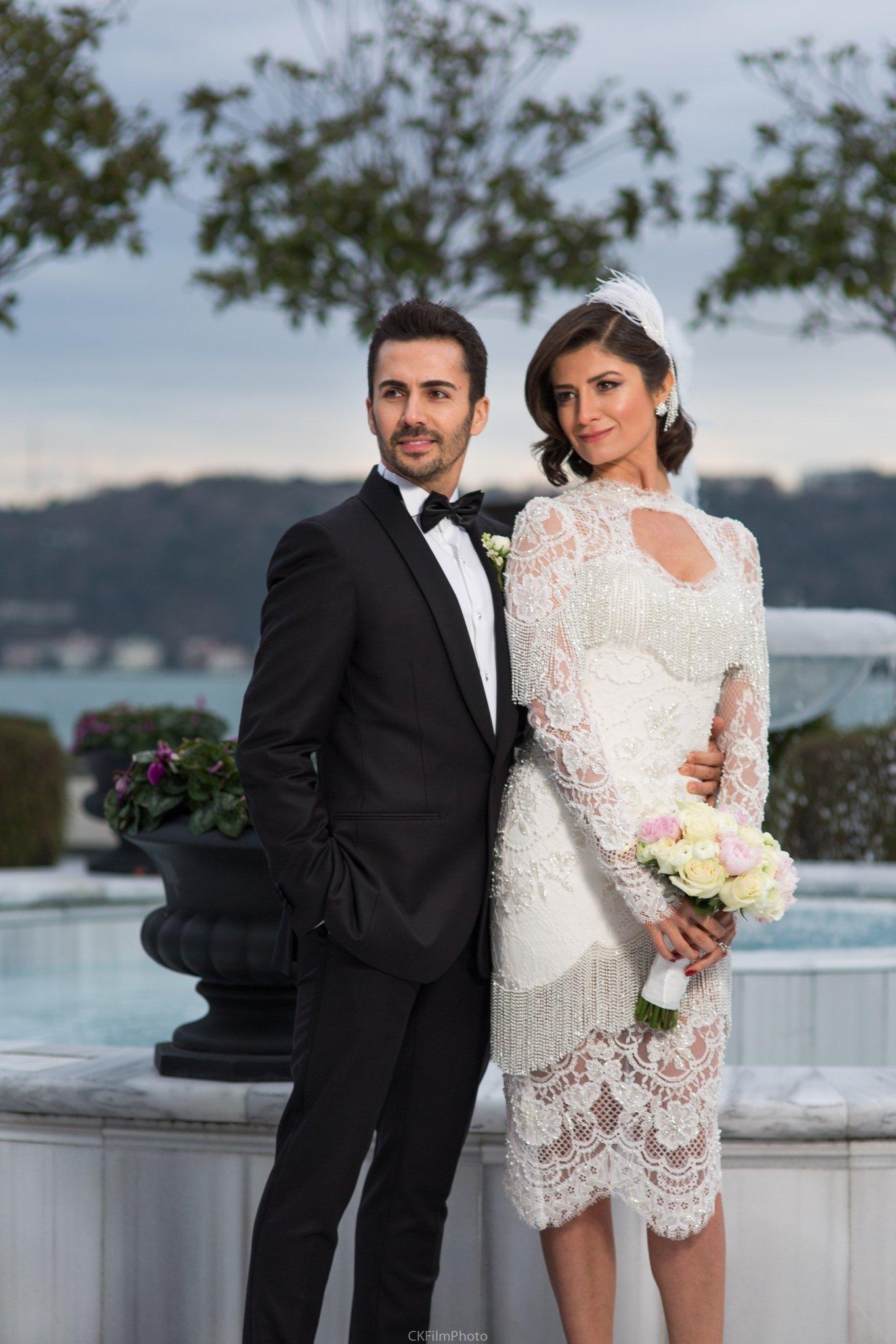 Nişanda nikah kıydılar!