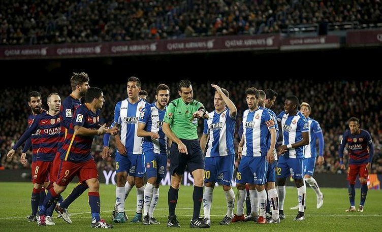 Arda Turan'ın Barcelona'daki ilk maçında olay