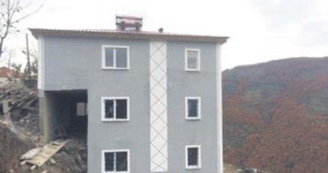 Şehidin ailesine 3 katlı yeni ev
