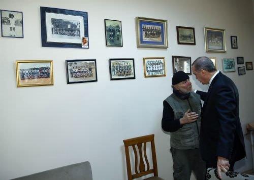 Cumhurbaşkanı Erdoğan formasını giydiği kulubü ziyaret etti