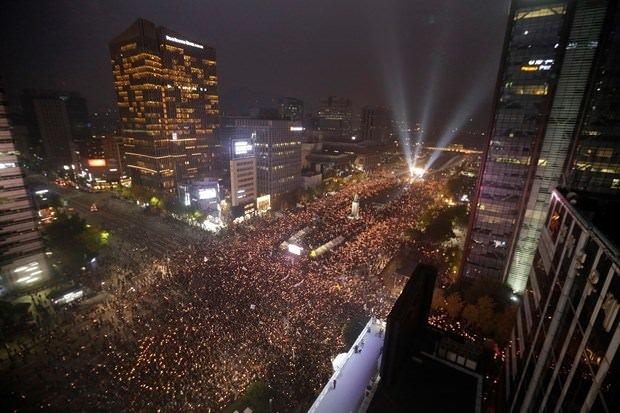 20 bin kişi sokaklara indi