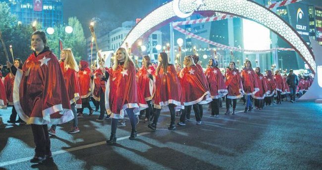 93'üncü yıl sevinci tüm Türkiye'yi sardı