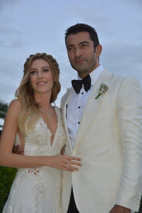 Sinem Kobal düğün sonrası ilk kez ortaya çıktı