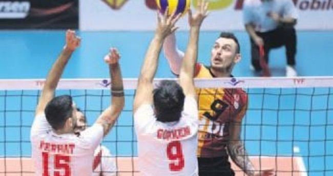 File derbisini Galatasaray 4 sette kazandı