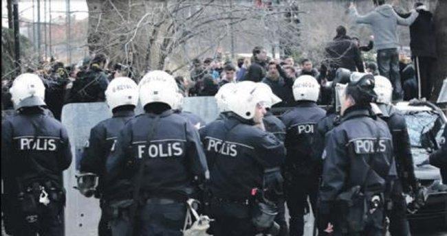 Batı Akdeniz'de 210 polis açığa alındı