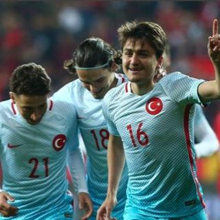 Bielsa'nın transfer listesinde 2 Türk var!