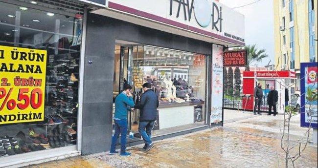 Çiğli'de silahlı kuyumcu soygunu