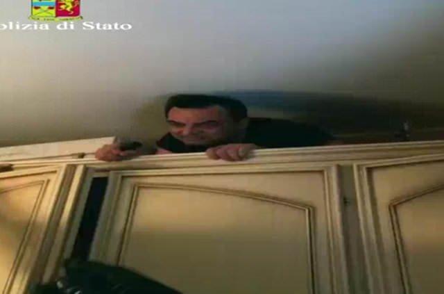İtalyan mafya babası dolapta saklanırken yakalandı