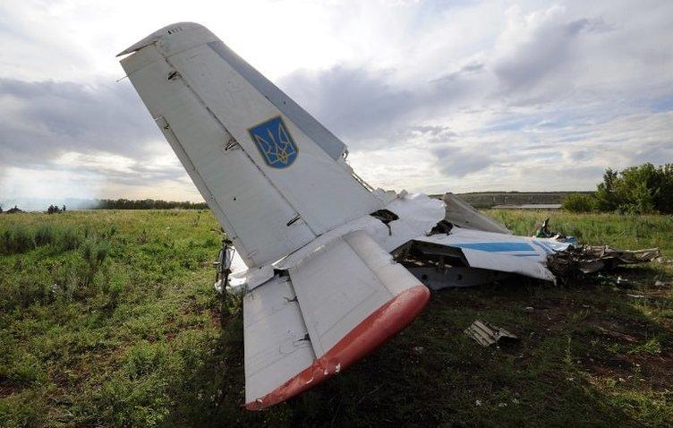 Ukrayna'da askeri uçak düşürüldü