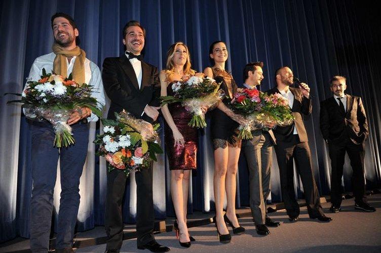 Romantik Komedi 2: Bekarlığa Veda filminin galası