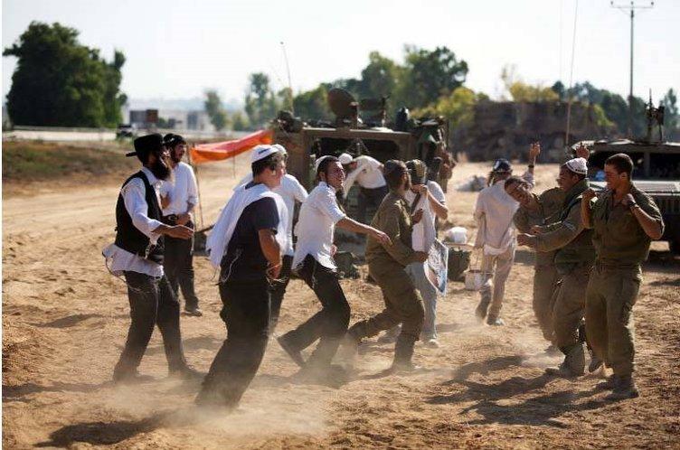 Sınırda katliam dansı
