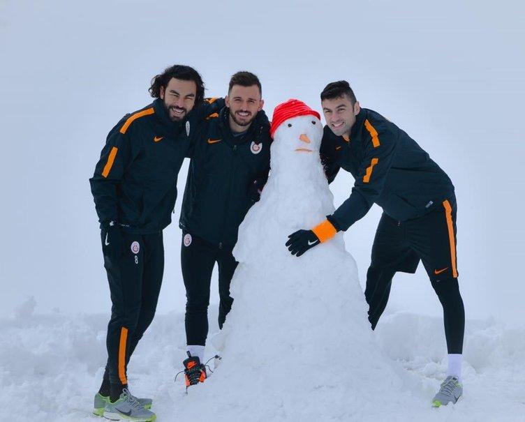 Sneijder asistleri parkeye taşıdı