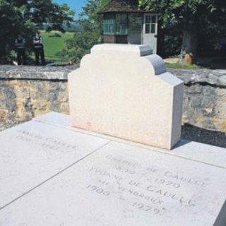 De Gaulle'ün mezarına saldırı