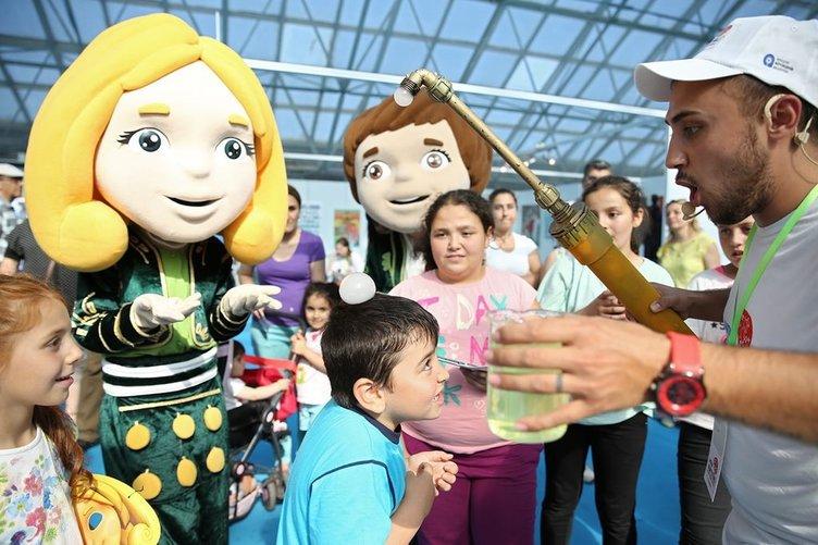 EXPO 2016'da Ece ve Efe rüzgarı esiyor