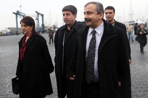 BDP'li heyet İmralı'ya gitti