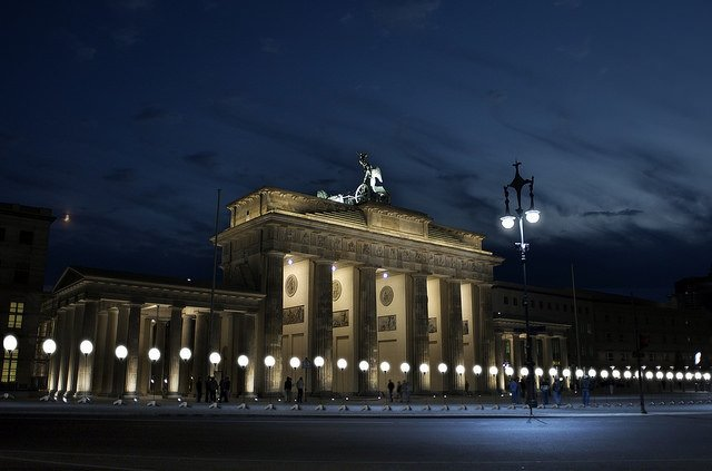 Berlin Duvarı yeniden yapılıyor
