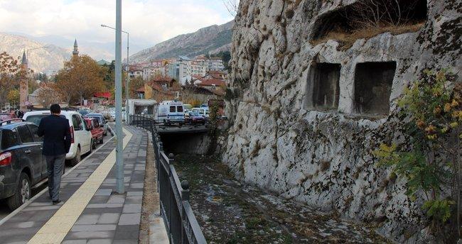 Kocaeli'de kayboldu, Amasya'da mağarada bulundu