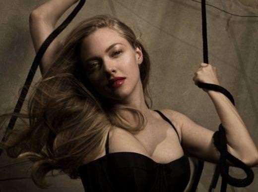 Amanda Seyfried'in şöhreti göğüslerine mal oldu